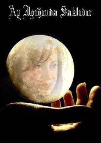 Ay Işığında Saklıdır